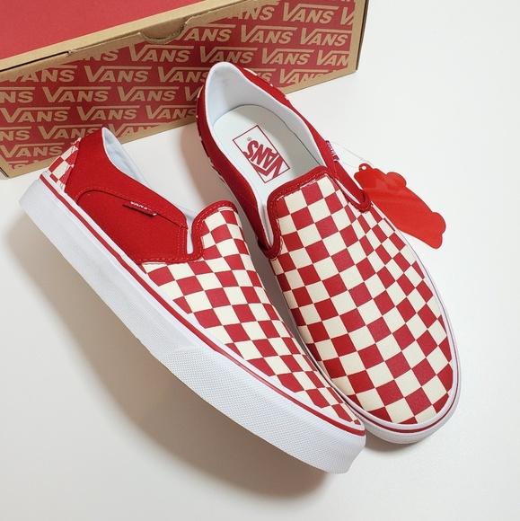 New Women's Vans Asher Slip on Sneaker NWT